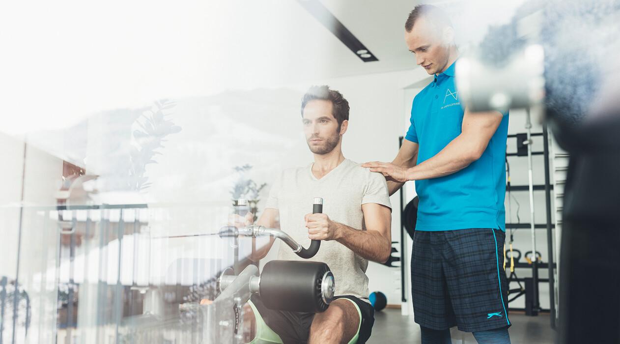 Fitness mit Personal-Trainer im Urlaub im 4-Sterne Superior Hotel Nesslerhof in Großarl, Salzburger Land