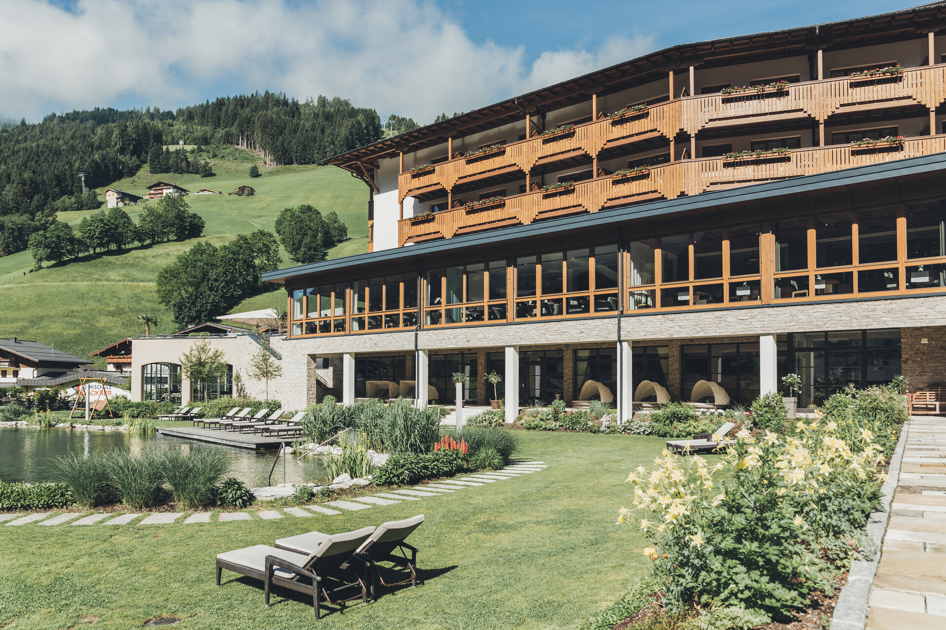 Der Nesslerhof von oben : Unser Hotel in Großarl aus der Vogelperspektive